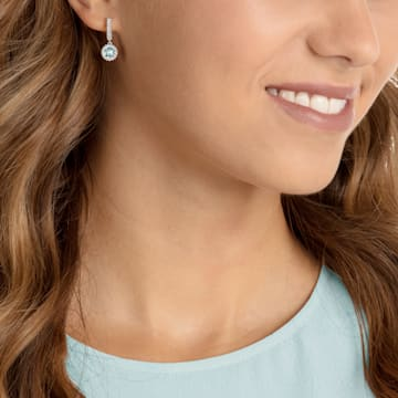 Oxygen Clip Earrings, Green, Rhodium plated - Swarovski, 5485462